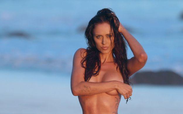 Charissa Littlejohn Does A Beach Photo Shoot