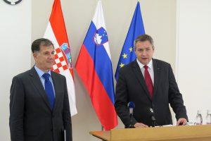 foto HINA / Andreja SERŠEN DOBAJ / STA
