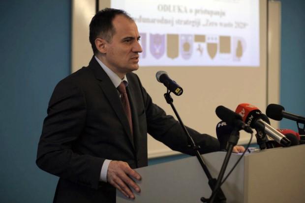 Prelog: Ministar Dobroviæ prisustvovao potpisivanju pristupnice